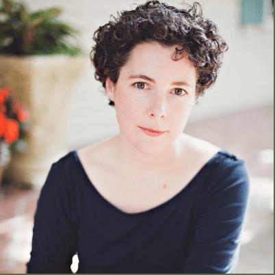 Holly Arsenault headshot